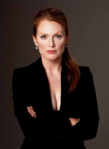 2_Greg Gorman_Julianne_Moore_Dublin 2004_copyright Greg Gorman